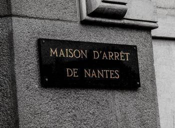 street-art-maison-d-arret-de-nantes-caroline-allais.01